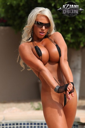 Sexy female body builders